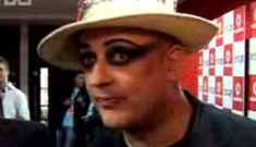 Boy George freaks out at homophobic insults (update)