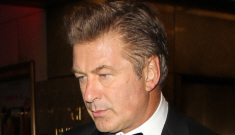 Alec Baldwin kicked off an American Airlines flight for playing a phone game