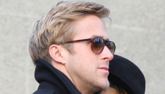 """Ryan Gosling """"sings covers of Eva Mendes' favorite songs & sends them to her"""""""
