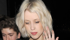 Peaches Geldof shows off her 6-month bump in London: she looks healthy, right?