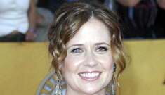 "Jenna Fischer ""stands in solidarity"" w/ women who aren't size 2 after giving birth"