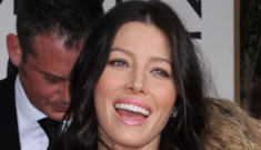 Justin Timberlake doesn't want Jessica Biel to wear her engagement ring, of course