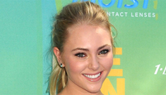 AnnaSophia Robb cast as Carrie in the SATC prequel, will you watch it?