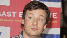 "Jamie Oliver calls a reporter a ""bitch"" for asking about his weight gain"