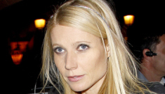 Gwyneth Paltrow speaks with her late father through his wedding ring