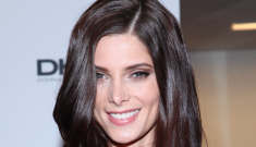 """Ashley Greene's DKNY ensemble isn't all that awesome"" links"
