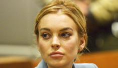 "Lindsay Lohan ""has been asking Samantha Ronson for a second chance for months"""