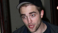 "Robert Pattinson is ""really insecure"" about his body & he's trying to quit smoking"