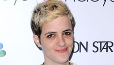 Samantha Ronson squeaks out a tune: nervous or no business trying to sing?