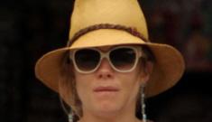 Sienna Miller & Tom Sturridge are on a 'babymoon' in Portofino, Italy