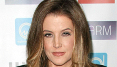 Does Lisa Marie Presley tell the CO$ to kiss her ass with the lyrics to a new song?