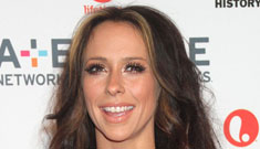 """Jennifer Love Hewitt """"tested"""" her new boyfriend by treating him to a week long vacation"""