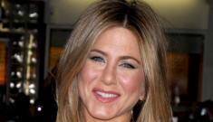 Did Jennifer Aniston send Angelina Jolie $1000 worth of passive-aggressive flowers?