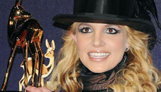 Britney performs at German Bambi Awards w/ moves from 2007 VMAs