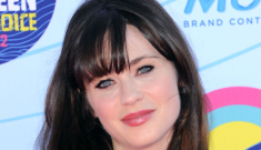 Zooey Deschanel in Lhuillier at the Teen Choice Awards: busted & bangsy?