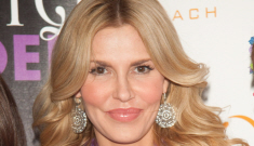 Brandi Glanville banged some dude in the bathroom at Kyle Richards' White Party