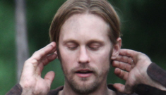 Alexander Skarsgard looks thin, scruffy, dirty in Vancouver: would you hit it?