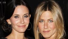 "Jennifer Aniston is ""glowing"" but not in a pregnant, shotgun-wedding way, okay?"