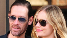 Kate Bosworth really, really wants you to look at her engagement ring