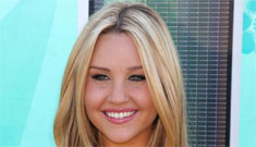 Amanda Bynes gets into a scuffle with a pap, who claims she scratched his neck