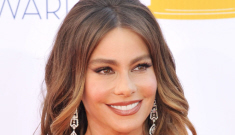 Sofia Vergara in teal Zuhair Murad at the Emmys:   gorgeous or unflattering?