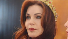 """""""Priscilla Presley is well preserved as the wicked queen"""" Links"""