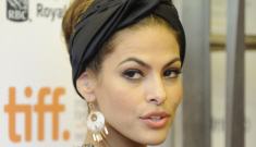 Did Eva Mendes bitch out one of Ryan Gosling's handsy, overzealous Hey-Girls?