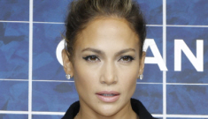 Did Casper Smart give Jennifer Lopez a gigantic engagement ring in Paris?