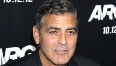 Did Julia Roberts convince George Clooney to stay with Stacy Keibler?