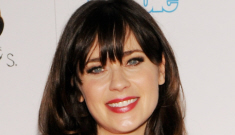 Zooey Deschanel sings the National Anthem at the World Series: how did she do?