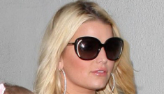 Jessica Simpson plans to marry Eric before giving birth the second time around