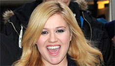 Kelly Clarkson: 'Being single doesn't mean you're gay, but I'm never insulted by it'