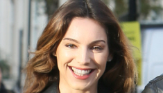 Kelly Brook celebrates her breakup with a bikini-clad Miami vacay: awesome or sad?