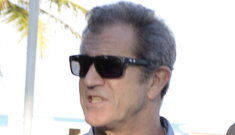 Why in the world are Gerard Butler & Mel Gibson hanging out in Miami together?