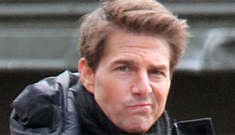 Was Tom Cruise kissing a 'mystery blonde' on the 'All You Need is Kill' set?