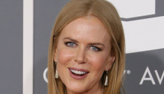Nicole Kidman in gold Vera Wang at the Grammys: simple & pretty?