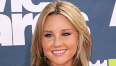 Amanda Bynes' 25 things: her goal is to weigh 100 pounds, at 5'8″