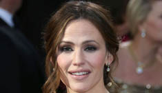 Jennifer Garner in ruffled Gucci at the Oscars: glamorous or fussy?