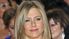 "Jennifer Aniston's hairstylist explains her Oscar hair: ""She wanted the hair natural"""