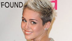 Miley Cyrus acted 'single' at Elton's Oscar party, said she didn't care about Liam