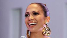 J.Lo clings to fame with escalating demands