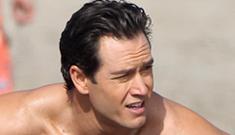 'Mark-Paul Gosselaar shirtless on the beach is a far cry from Zack Morris' links
