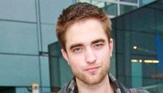 Twilight's Robert Pattinson defends Heath Ledger at comedy club