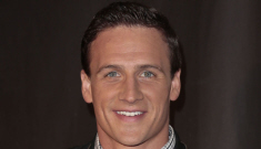 'What Would Ryan Lochte Do?' looks like the funniest, dumbest show ever: Jeah?