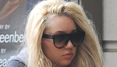 Amanda Bynes wanders the streets of NYC clutching a suspicious 'cigarette'