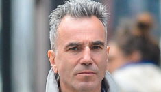 Daniel Day-Lewis wears jeans & a fabulous trench in NYC: would you hit it?