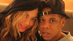 Beyonce isn't pregnant, posts photos of herself boozing it up with red wine