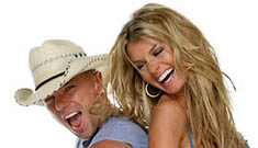 Kenny Chesney says he's not gay when the lights are on