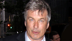 Alec Baldwin apologizes to GLAAD for anti-gay slurs in latest Twitter rant