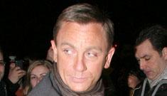 Jon Stewart gives Daniel Craig 'sweaty palms'